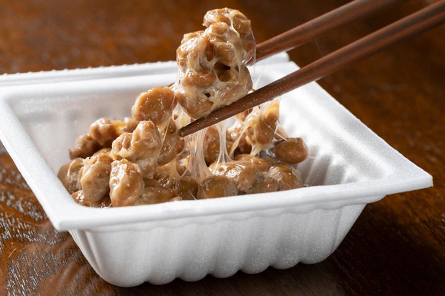 【超朗報】毎日納豆3パック食い続けてるワイ、どんどんイケメンになっていく!!!!!