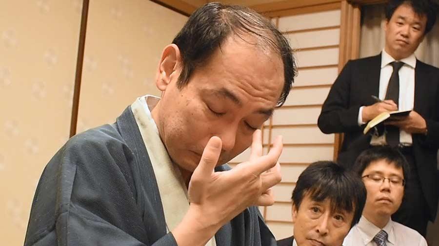 木村一基王位「ハァハァ…羽生善治が衰えてやっとタイトル獲得できたゾ!」