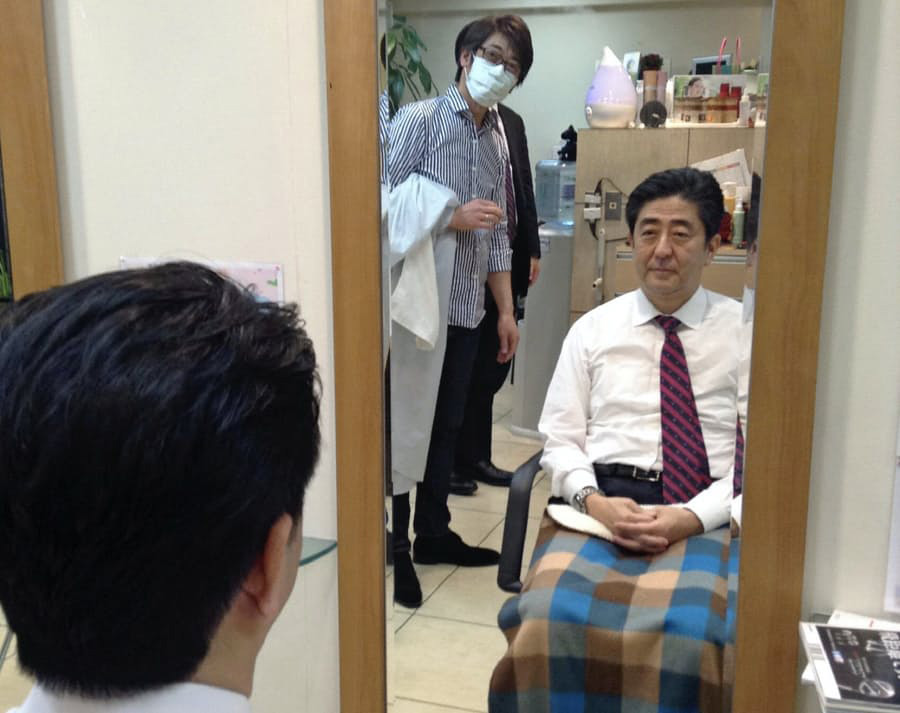 【朗報】安倍首相、今月2回目の散髪へ