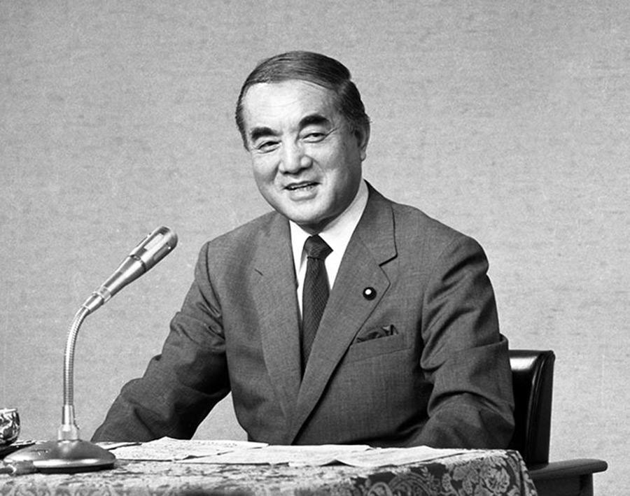 【ハゲ速】中瀬ゆかりさん、菅義偉氏に「中曽根さん以来のバーコード髪形の総理だと…」