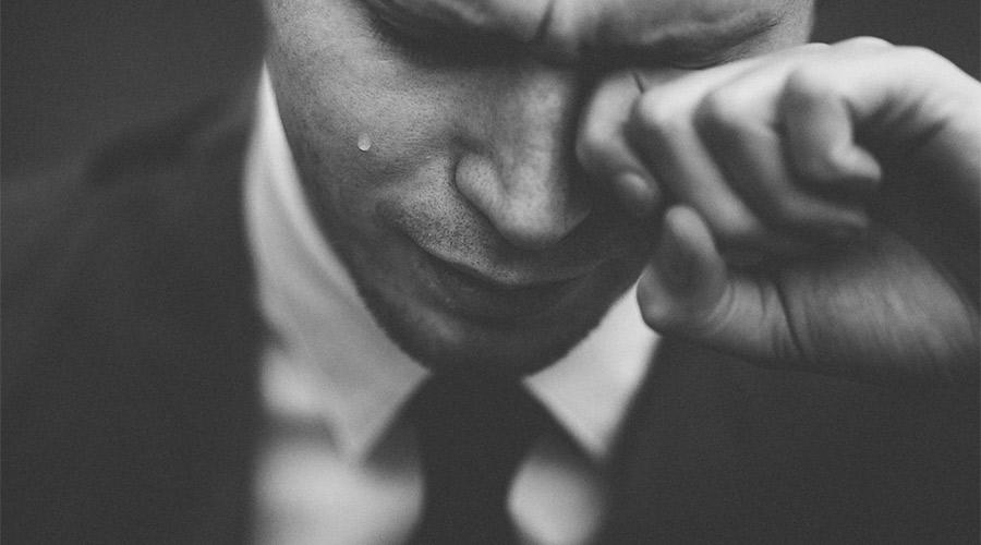 【悲報】ワイ22歳の若ハゲ、辛すぎて少し泣く