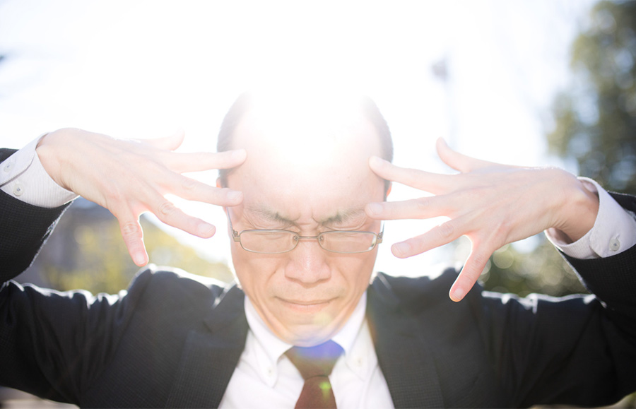 【ハゲ速報】神の育毛剤を使った若ハゲ男、完全に覚醒してしまう(画像あり)
