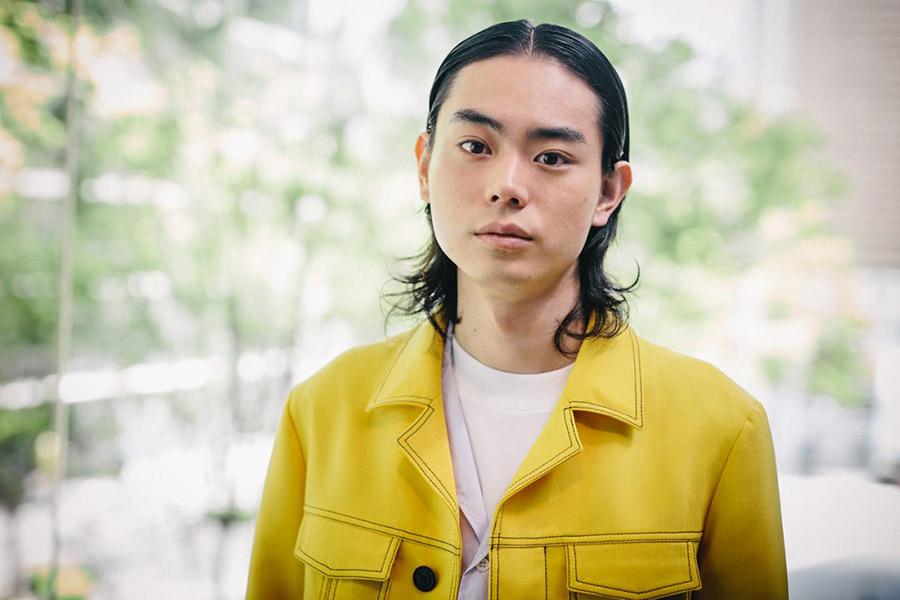 【ハゲ速報】イケメン俳優の菅田将暉さん、毛量が凄すぎると話題(画像あり)