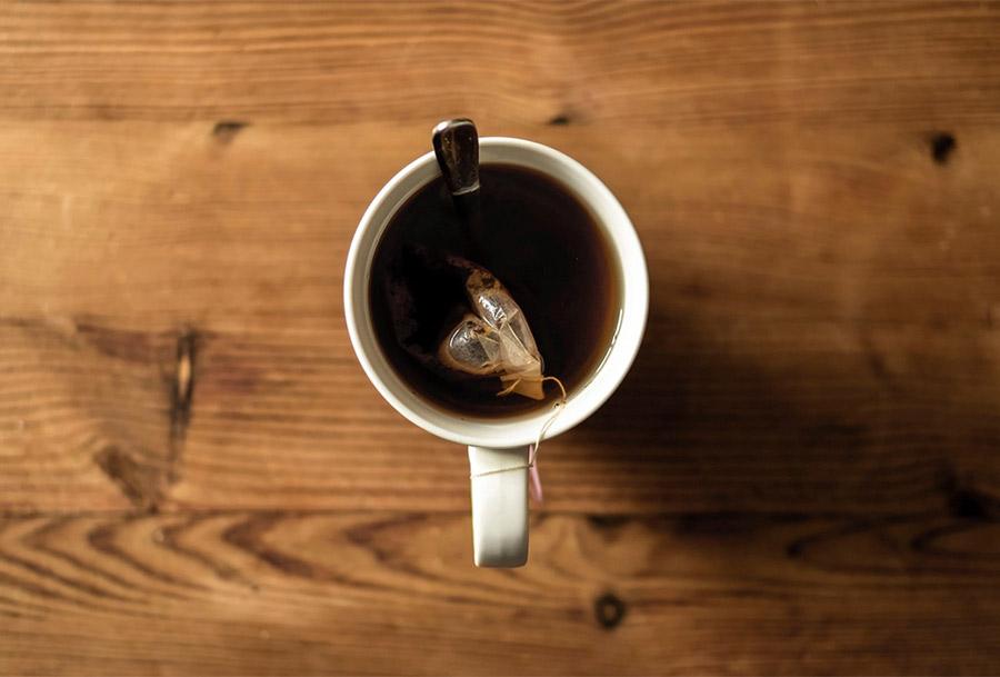 【ハゲ速報】紅茶を塗ると髪が生えると発表される!!!【何度目だハゲ】