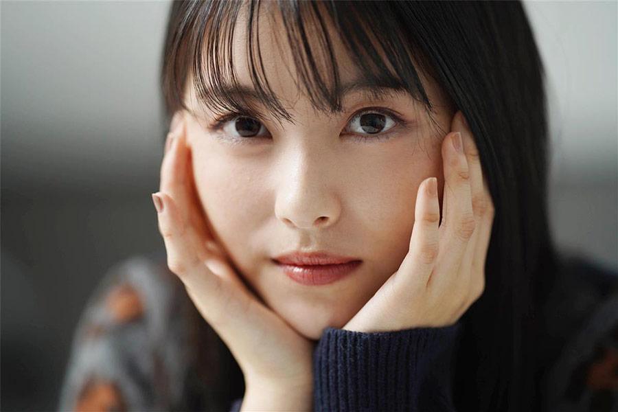 【悲報】浜辺美波さん、壮絶な過去を告白『小学生の頃、イジメられてました』