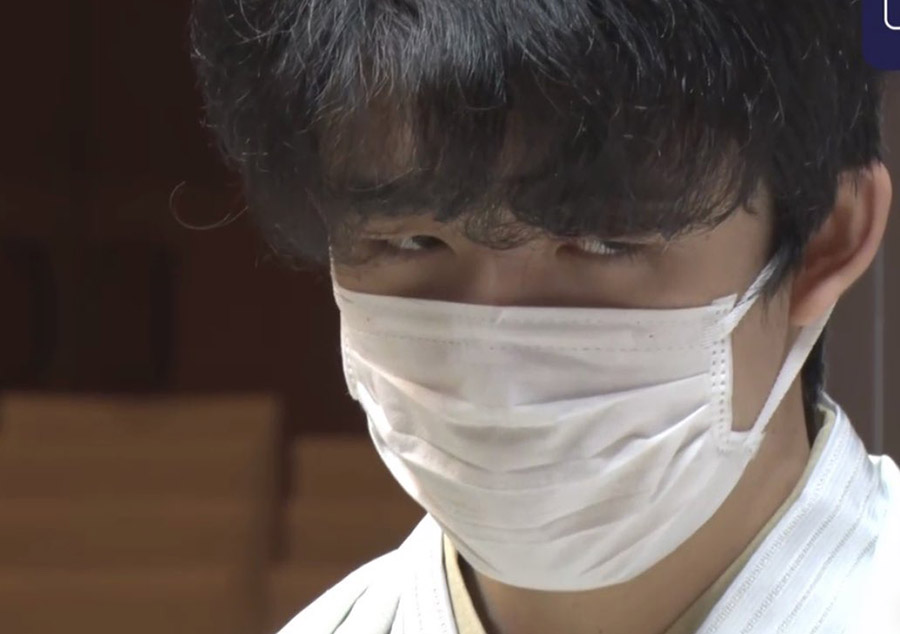 【朗報】藤井聡太くん(18)、髪型を変えただけで超絶イケメンに(画像あり)