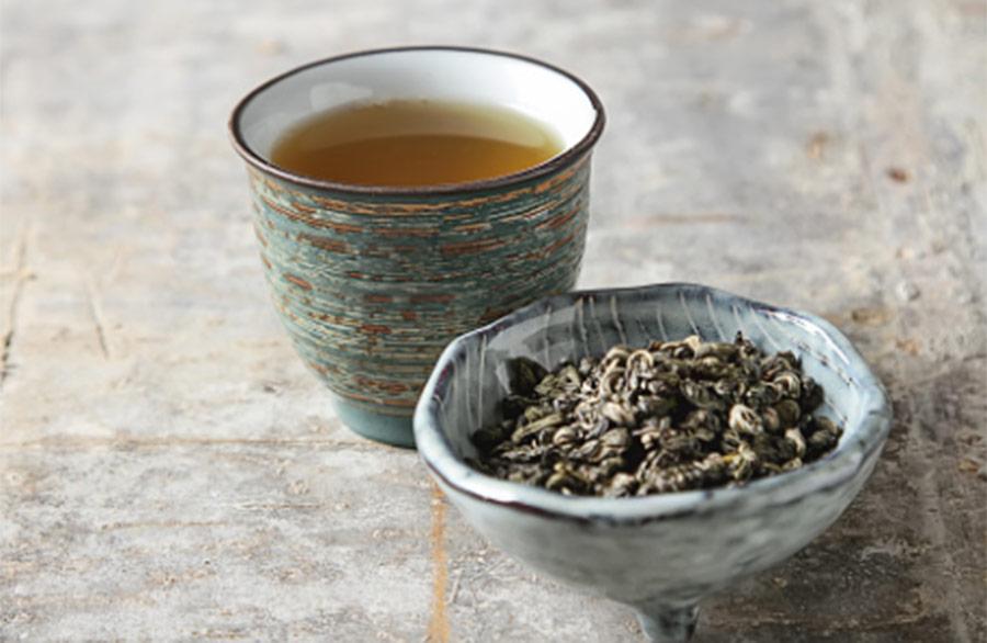 【ハゲ速報】烏龍茶でハゲは改善すると発表される!!!